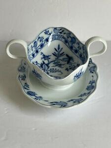 One Piece Antique Meissen Porcelain BLUE ONION Two Handle Sauce Boat AS IS