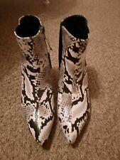 BLACK AND WHITE SNAKESKIN BOOTS- SIZE 7 - SIMPLY BE