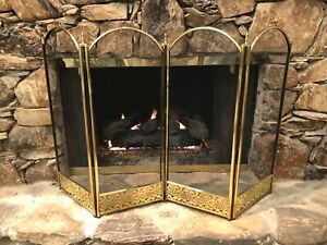 ANTIQUE VINTAGE BRASS FIREPLACE 4 PANEL FIRE SCREEN HANDLES & RETICULATED BASE
