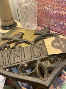 NEW :HEART SHAPE  WITH 2 BIRDS :WELCOME SIGN : Durable Cast Iron Garden PLAQUE