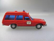 Wiking: mercedes Benz 200/8er binz bomberos (pkw26)