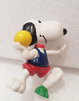VINTAGE Snoopy playing Shotput PVC FIGURE PEANUTS United Feature TOY
