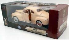 1941 PLYMOUTH 1/18 ROAD LEGENDS YAT MING 92398 CREAM COLOUR MINT MODEL CASE GOOD