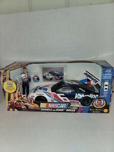 NEW IN BOX TOY BIZ NASCAR # 6 MARK MARTIN VALVOLINE 1/18 RUMBLE AND ROAR RACER