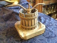 Art. 050 - IAS - Vecchio TORCHIO con base in legno di rovere del primo '900