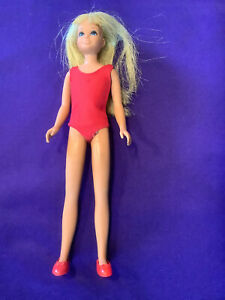 SKIPPER DOLL. (BARBIE COLLECTION) #1105. TNT. 1968. RED ONE PIECE SWIMSUIT. (S61