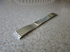 Kreisler SS 19 to 18mm Arrow Texture Center Expansion Curved End Watch Band #W58