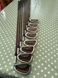WILSON X31 OVERSIZE IRONS WITH REGULAR GRAPHITE SHAFTS 4-SW
