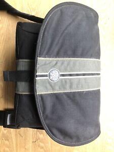 Crumpler Messenger Boy 5500 Photography DSLR Bag With Movable Inserts Black/Grey
