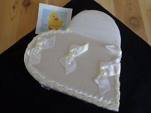 "Wedding Album HEART SHAPED 11"" White Satin Bow Lace Crinoline Holds 100 4x6 Pics"