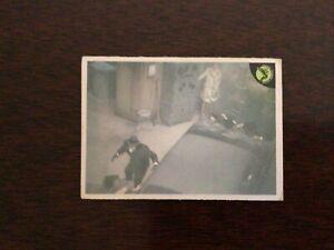 1966 DONRUSS GREEN HORNET TV SHOW TRADING card ~~ #17 THE GREEN HORNET CLOSES IN