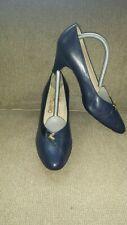 SALVATORE FERRAGAMO WOMEN PUMP SIZE 7-7.5 BLUE NAVY SUPER CONDITION