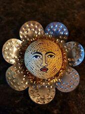 FoLk ArT Sun Flower Face Antique Tin Petals Anthropomorphic Refrigerator Magnet