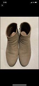Diana Ferrari size 12 boots