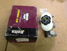 NEW Delta M82100E Brake Master Cylinder   Fits 95-99 Chevrolet Cavalier Sunfire