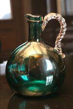 Carafe en cristal teinté vert type Saint Louis...