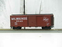 "HO Scale ""The Milwaukee Road"" MILW 19042 Forty Foot Freight Train Box Car"