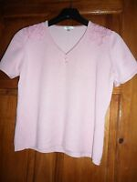ladies CC (Country Casuals) pink short sleeved jumper with shoulder detail sz M
