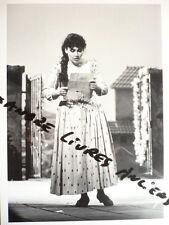 GRANDE PHOTO 1988  LEONTINA VADUVA  DANS LA PIE VOLEUSE DE ROSSINI