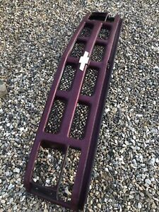 ** WILL NOT SHIP** Chevrolet Cheyenne Grille