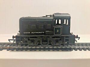 Triang R253 Black Dock Authority 0-4-0 Diesel Shunter Loco No 3 - OO Gauge