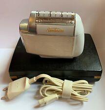 Rasoio Elettrico Vintage, SUNBEAM MULTI VOLT 555 - Con custodia.