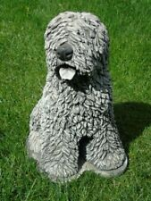 statue d un chien bobtail en pierre patinée  ... super prix !