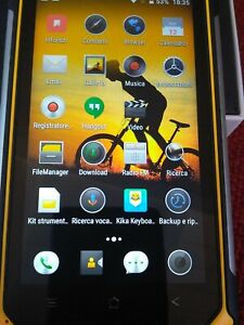 Blackview BV6000 Rugged Phone con 3Gb di RAM/32GB Rom esp. Giallo e Nero IP 68.