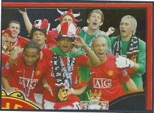 PANINI MANCHESTER UNITED 2008/09 #188-SILLY HATS TIME AS PLAYERS ENOY THE TITLE