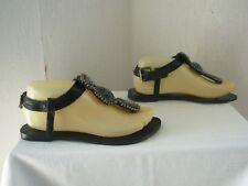 e1f6dd9b3dbe Sandales et chaussures de plage noirs pour femme pointure 37