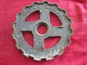 VINTAGE IH INTERNATIONAL CAST IRON 1007A COGGED PLANTER SEED PLATE RING