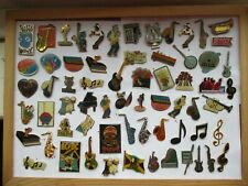 MUSIC BANDS ROCK GROUP GUITAR SAX PIANO NOTES 65 PIN BADGE JOB LOT BUNDLE 99p