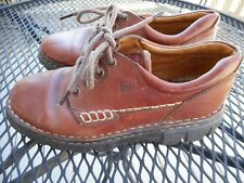 Born-Brown leather lace-up oxfords in size 7.5 (EU 38.5)