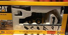 Norscot Cat 432 D Side Shift Backhoe Loader Scale 1/50, Nuevo