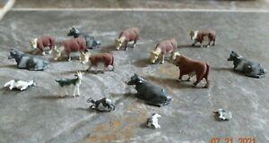 16 - HO scale Plastic Farm Animals Cows, Goats, Dogs Nice Details  -  lot 7