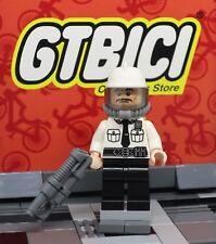 LEGO BATMAN MOVIE  MINIFIGURA  `` SECURITY GUARD ´´  REF 70901  100X100 ORIGINAL
