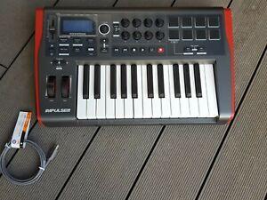 Novation Impulse 25 USB Midi Fader Musik Dj Pad