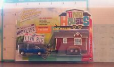 Johnny Lightning 1:64 Tiny Houses 1996 Dodge ram 1500 with Tiny House Trailer