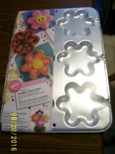 NEW! Wilton Blossom COOKIE TREAT Pan ~ Flowers #2105-8109