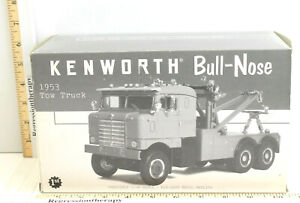 "2000 First Gear 1953 Kenworth ""Bullnose"" Tow Truck 1:34 Diecast Metal Red Rare!"