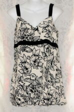 White House Black Market Big Bold Flowers Silk Shirt Top Ruching Lined Dressy L
