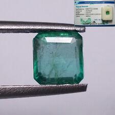 Gioielli e gemme di smeraldo taglio smeraldo