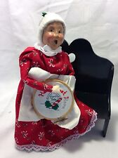 Byers Choice Ltd The Carolers 1995 Mrs Clause Doing Needle Point On BenchRetired