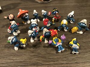 Lot of (16) Smurfs figures/toys, vintage some rare