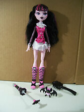 MONSTER HIGH DRACULAURA 1ST WAVE DOLL, PET BAT UMBRELLA, 2008 MATTEL