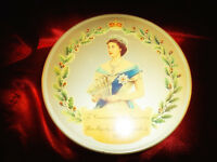 Vintage Queen Elizabeth Coronation 1953 Biscuit Cake ADVERTISING TIN Storage