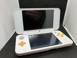 NEW Nintendo 2DS XL Spielkonsole Weiß / Orange