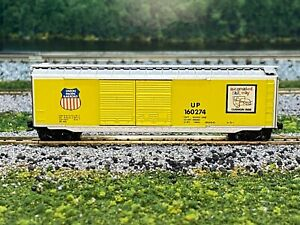 N Scale - Kadee Union Pacific 50' Double Door Boxcar UP 160274 N2462