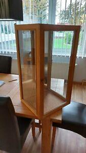 Glas-Vitrinenschrank/Holz/Trachtenpuppe/Bückeburger/Lindhorster Puppe/Tracht