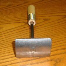 1 Handle Fleshing Tool